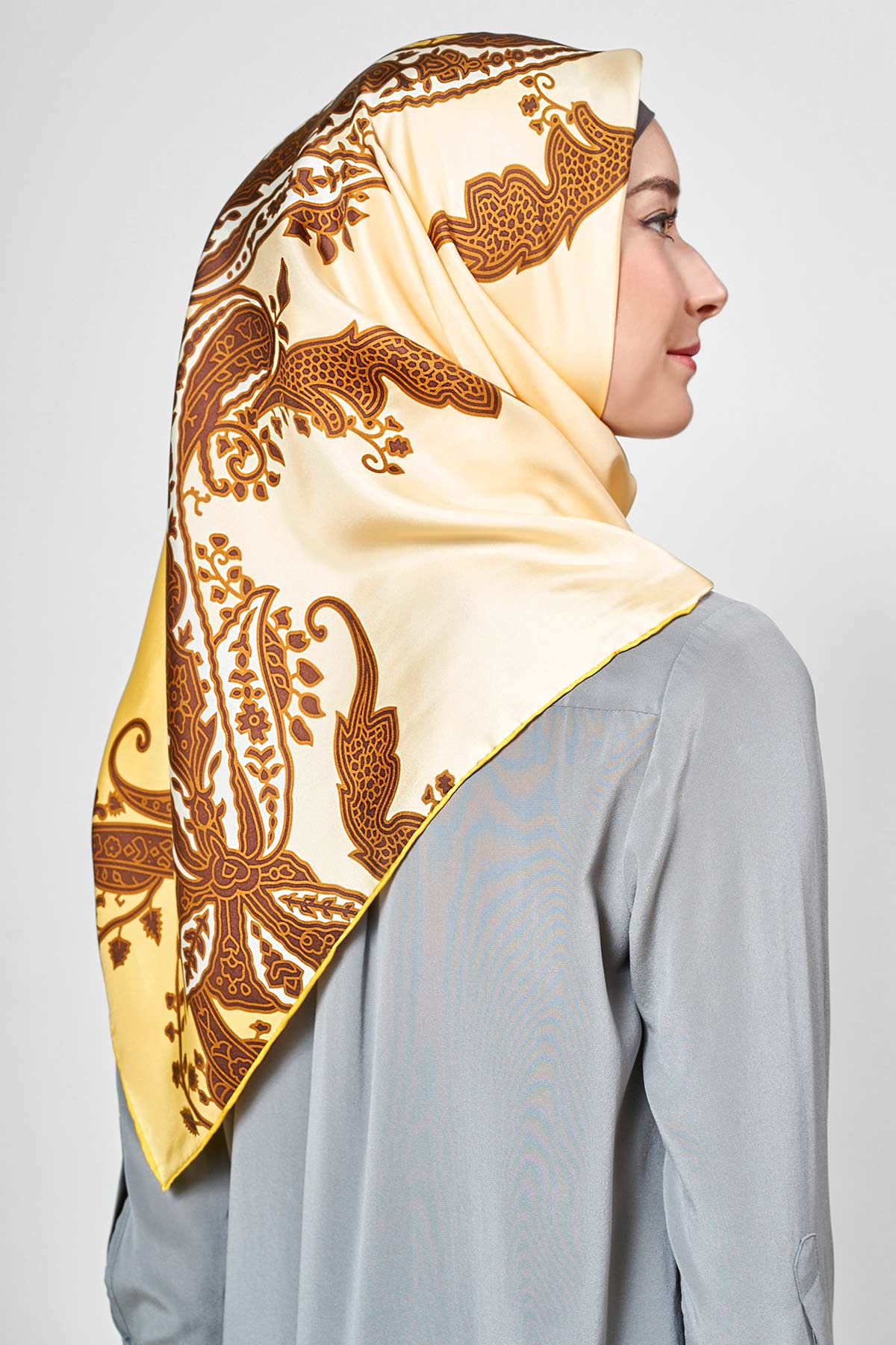 text -- shimmering yellow paisley