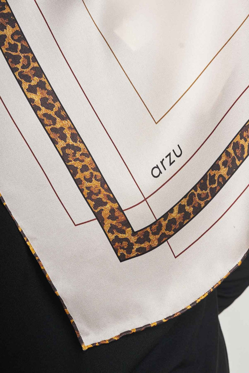 text -- leopard charming beige