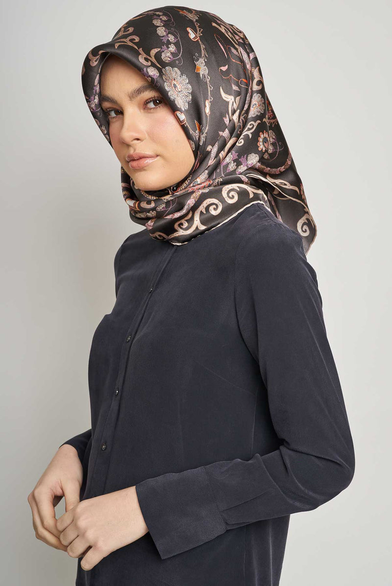 text -- paisley sophisticated black