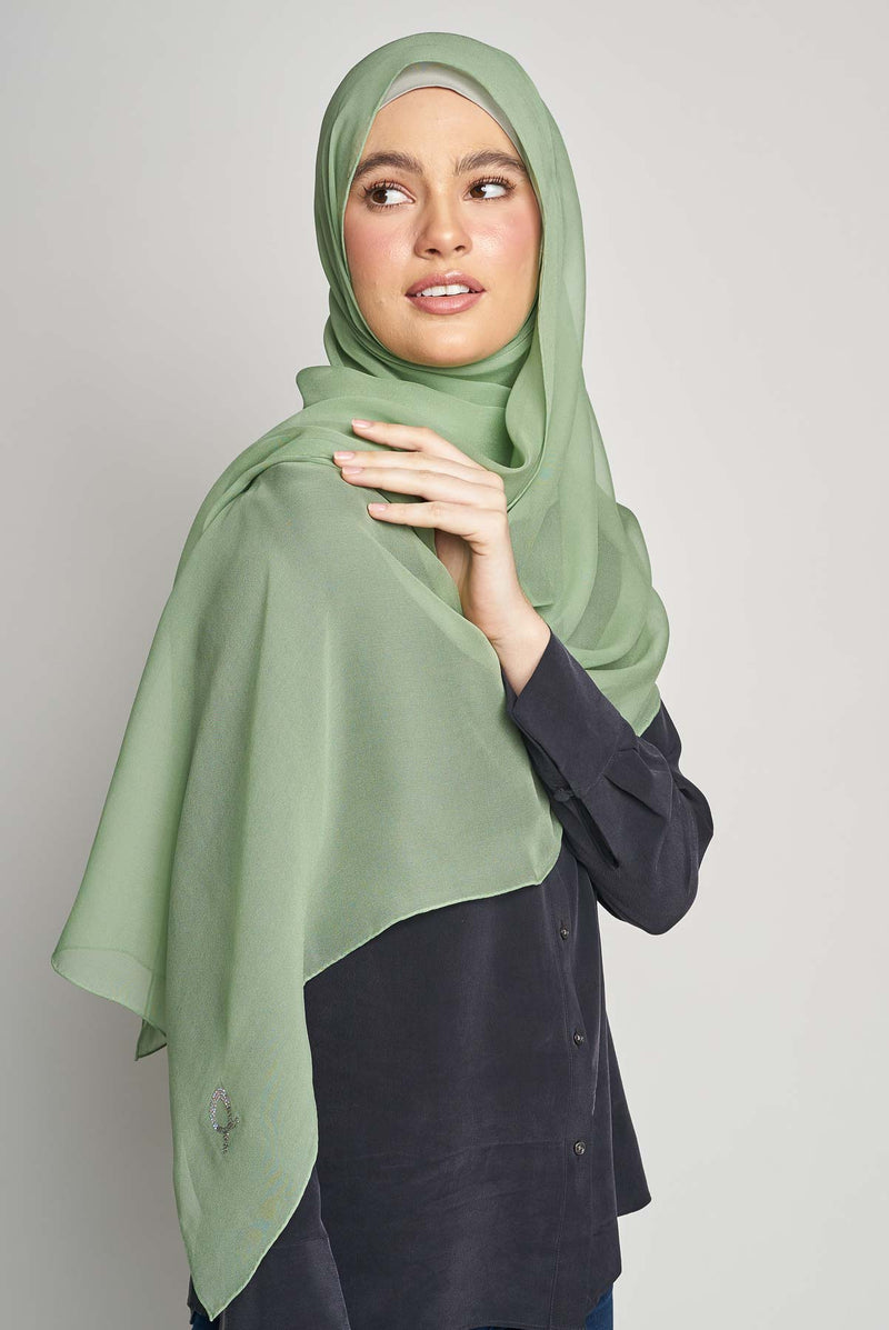 text -- crepe silk divine olive