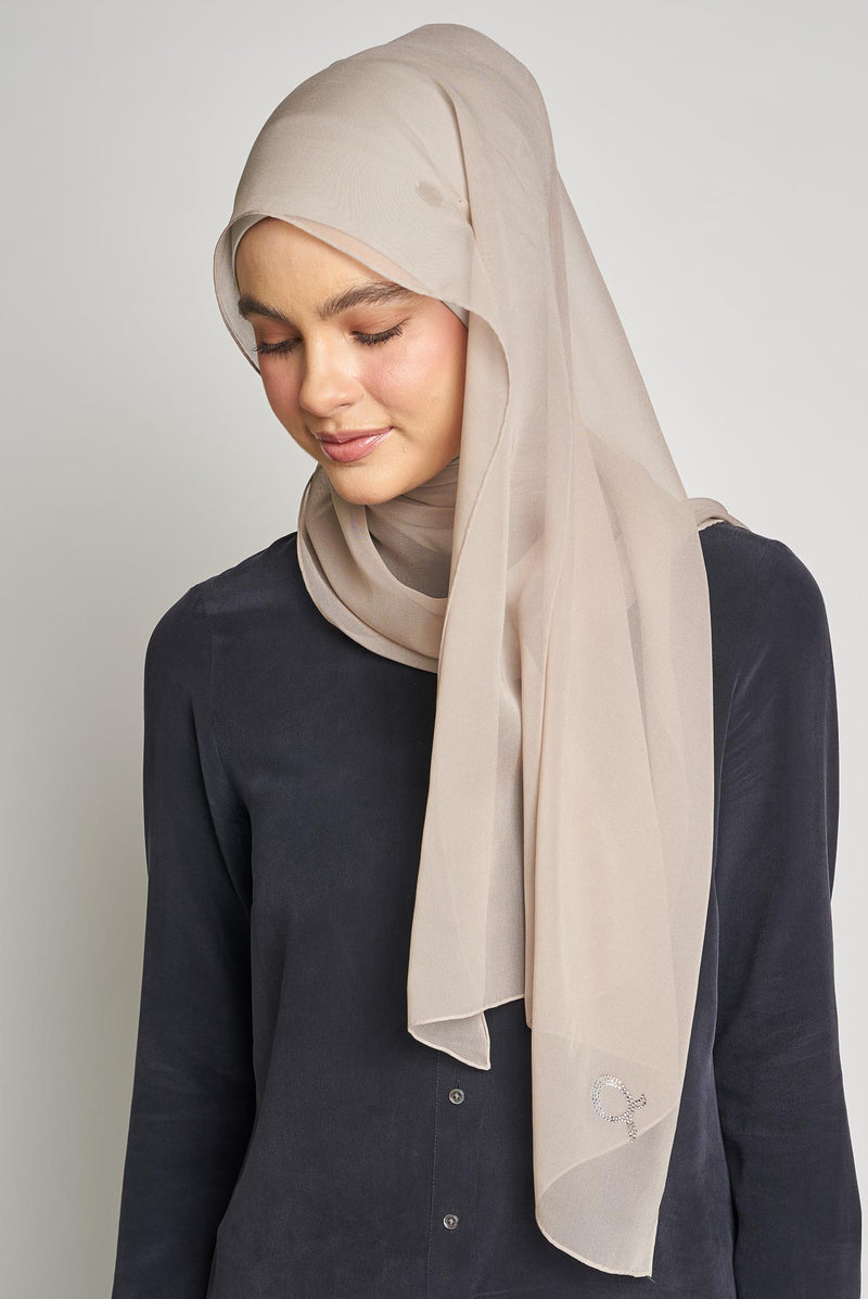 text -- crepe silk marvellous taupe