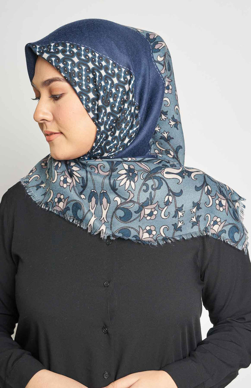 text -- arabesque midnight navy