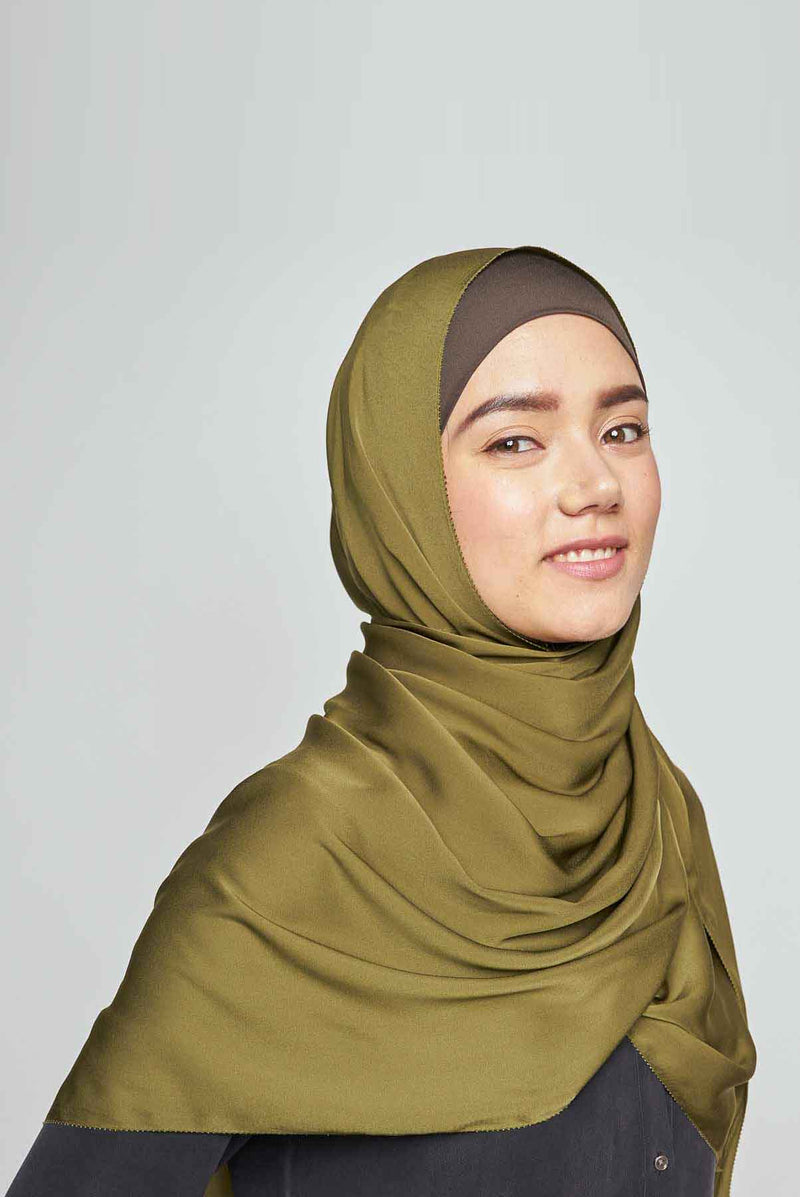 plaintastic mute satin scarf No-Silk Silk™ toothstitch hem