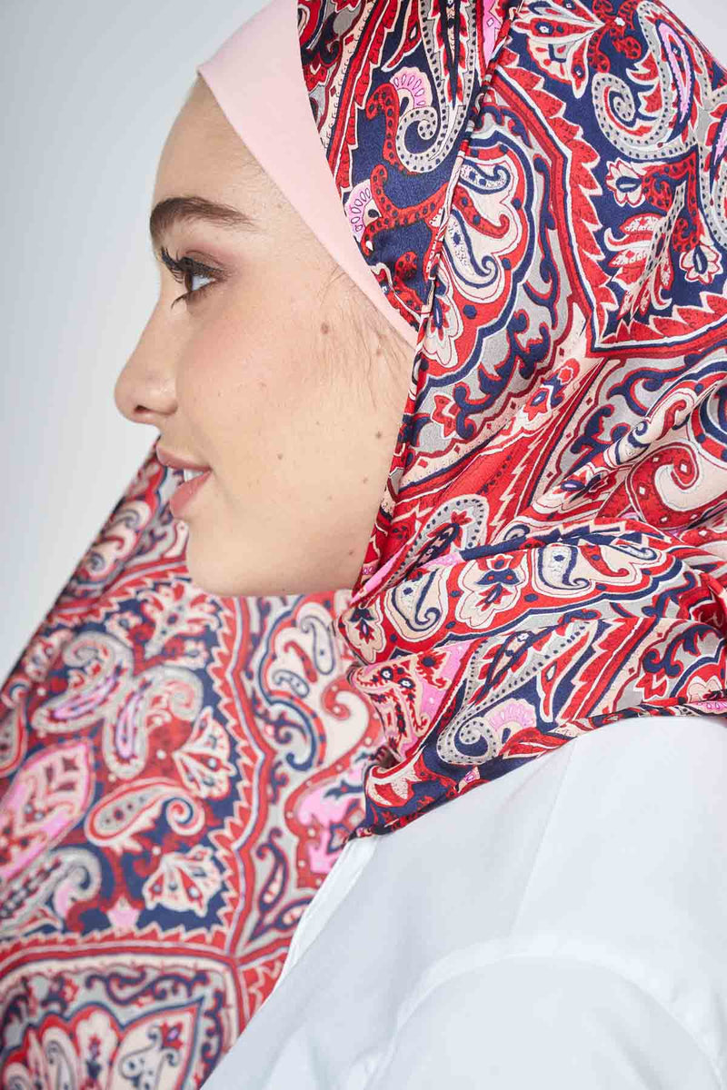 text -- red heritage paisley