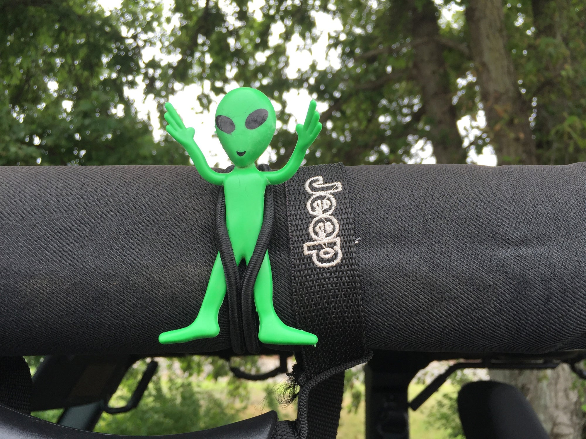Bendable Green Little Aliens by Alien Sunshade