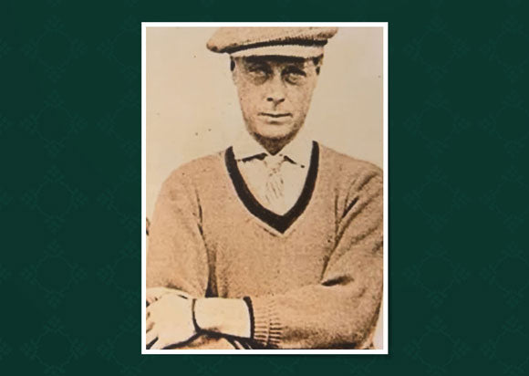 Prince of Wales (who later became King Edward VIII) had an Allan Paine Sweater in his own regimental colours.