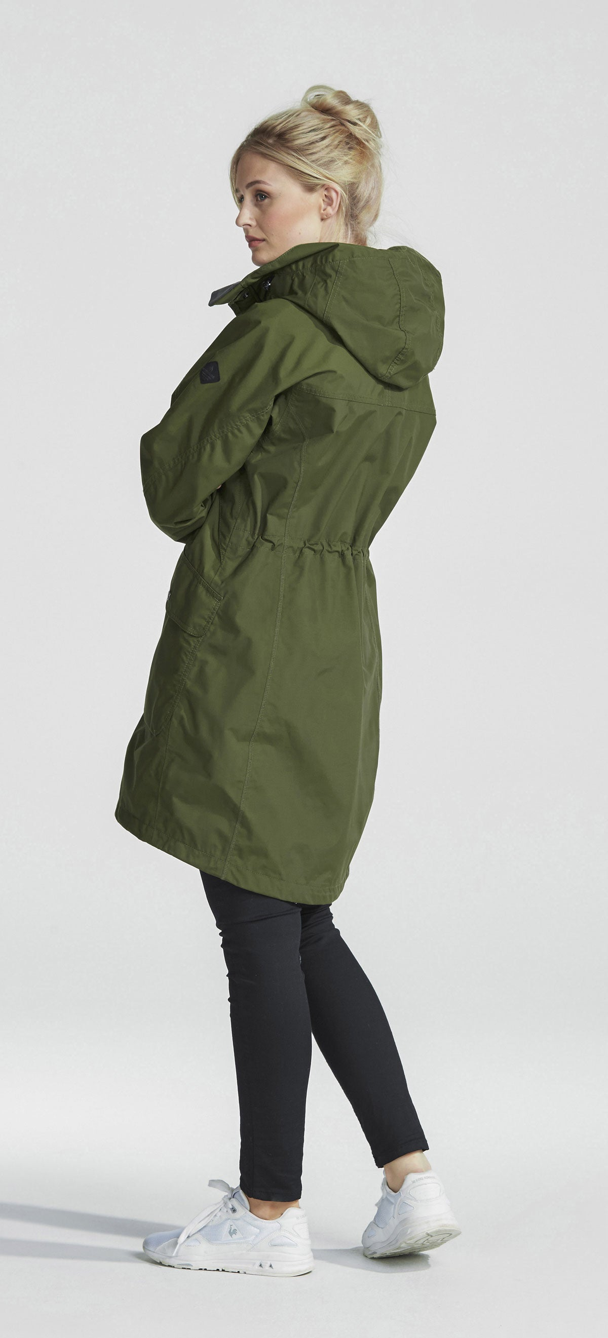 peat colour showing tail Didriksons Ladies Thelma Waterproof parka coat