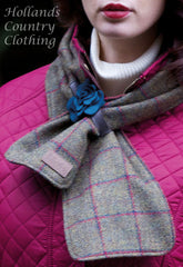 lady wearing Jack Murphy ECLIPSE Tweed Scarf with Rose Band