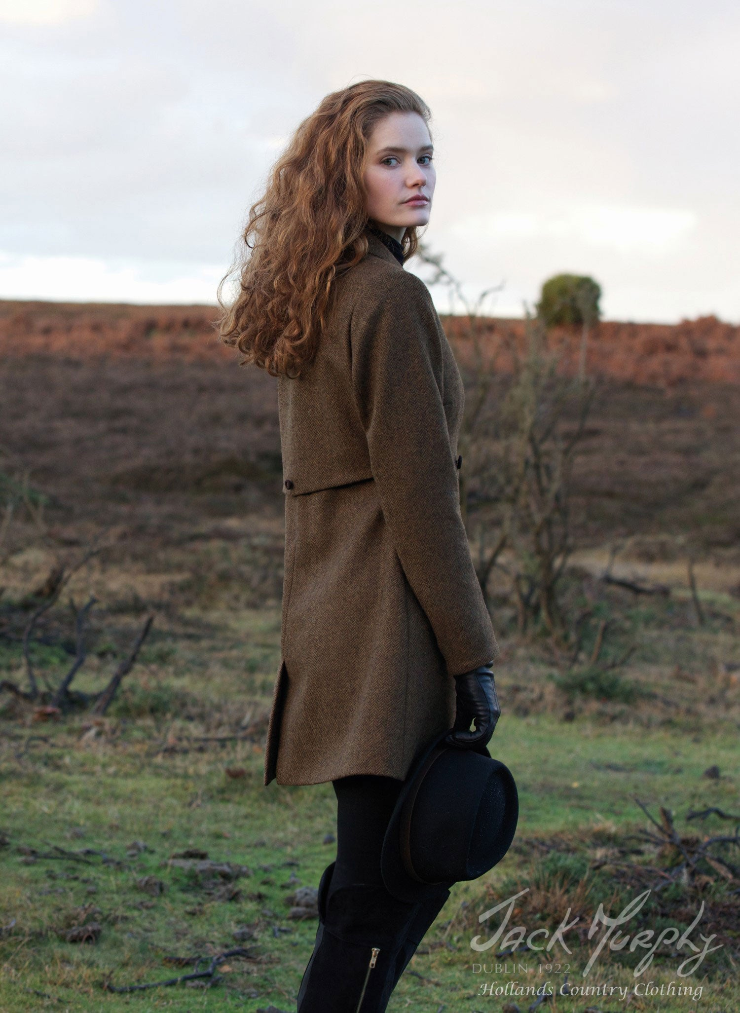 rear view of coat Elena tweed jack murphy