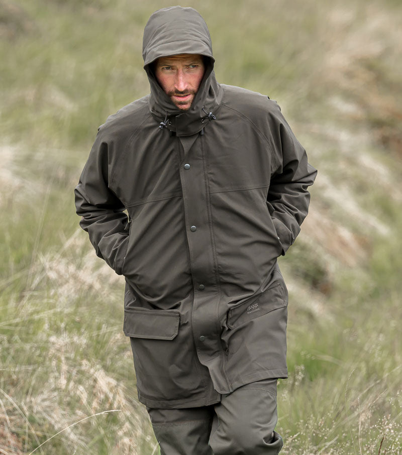 Full enclosure hood on Hoggs of Fife Green King II Waterproof Jacket