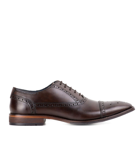 Goodwin Smith Ealing Brogue Shoe | Brown