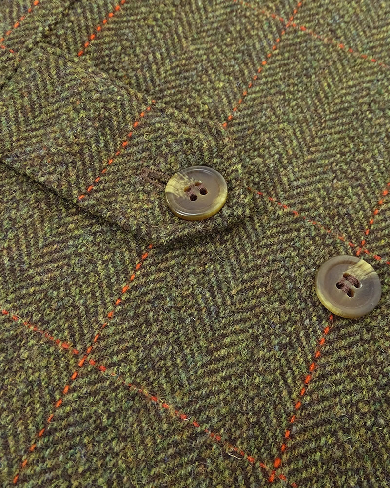Tweed side adjusters