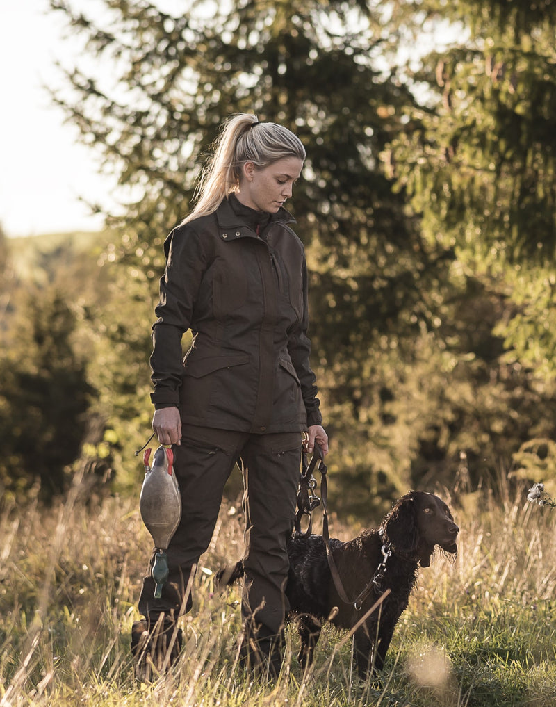 Woman with a dog Deerhunter Lady Ann Jacket