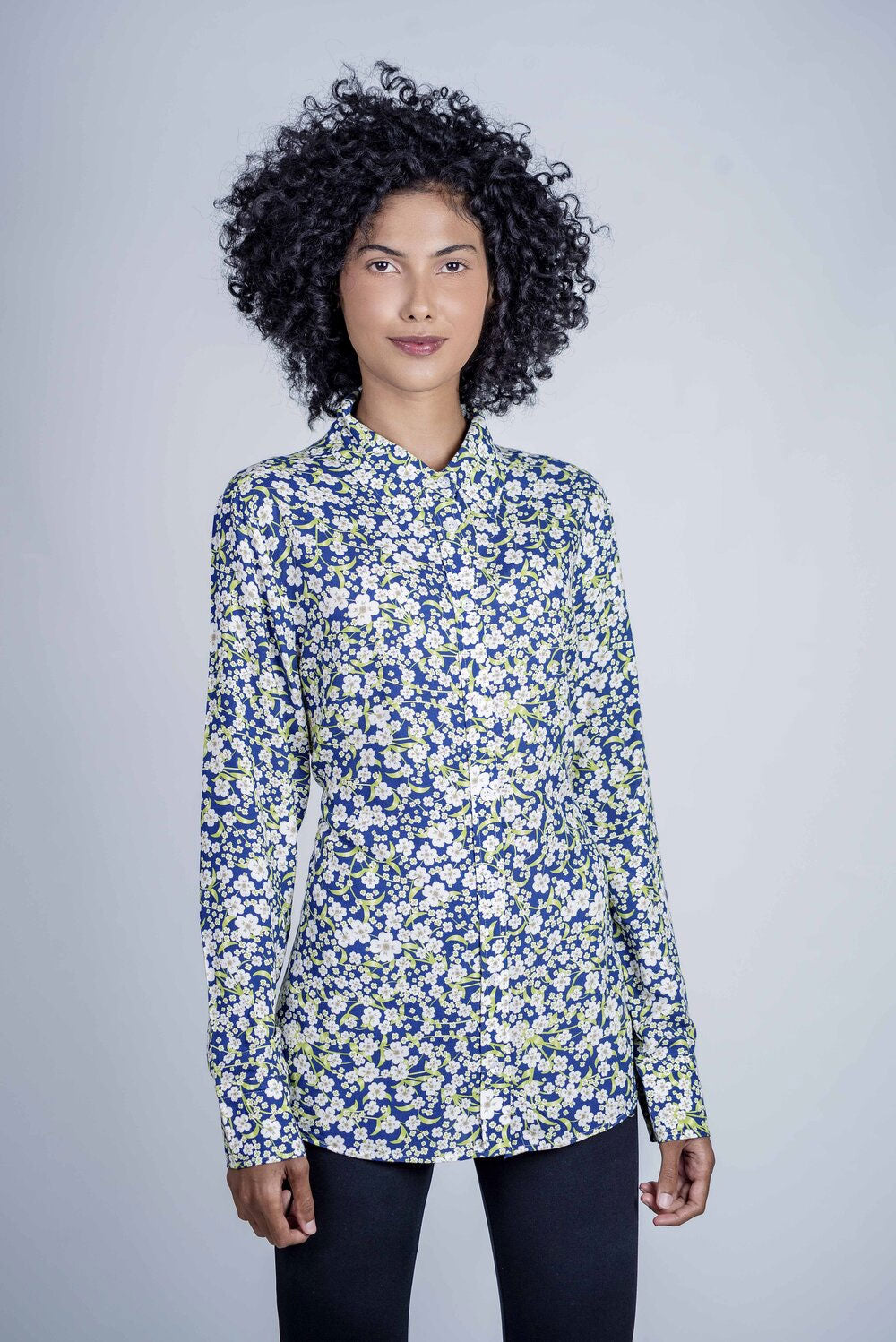 Hartwell Lydia Ladies Shirt | White Daisy Blue and green