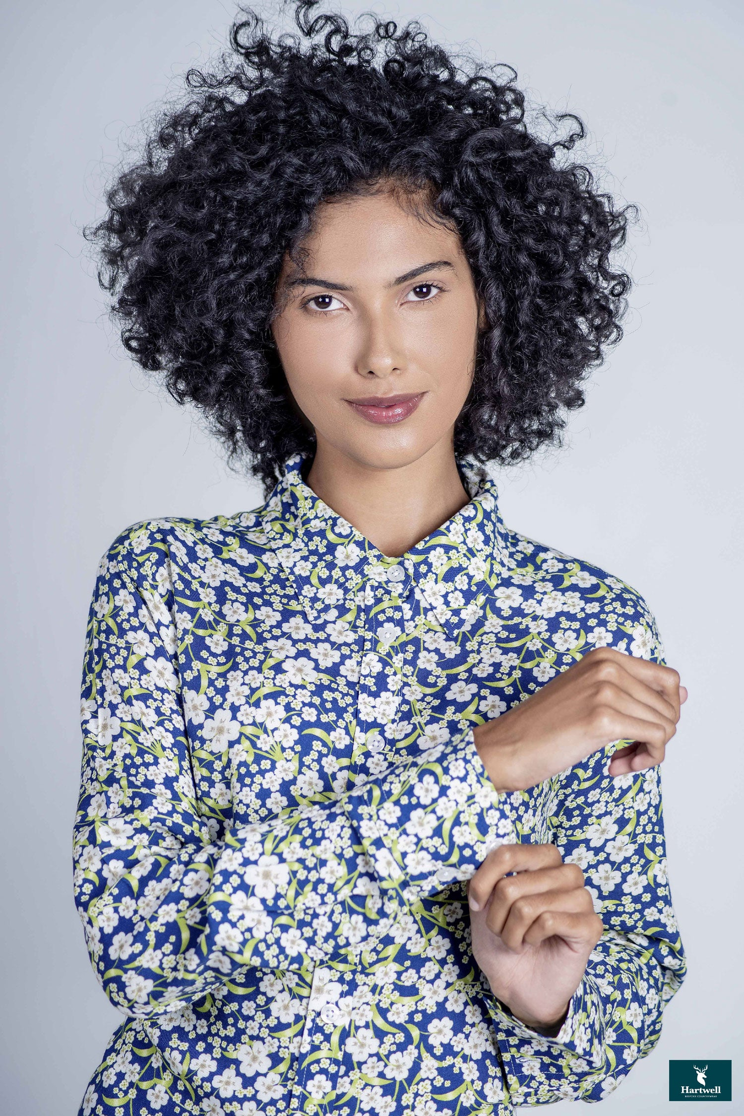 Hartwell Lydia Ladies Floral summer Shirt | White Daisy on a Navy Background