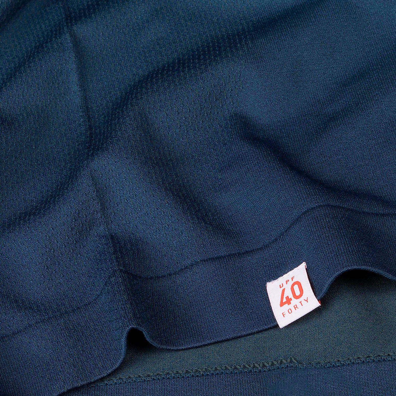 Bottom hem with upt 40 label