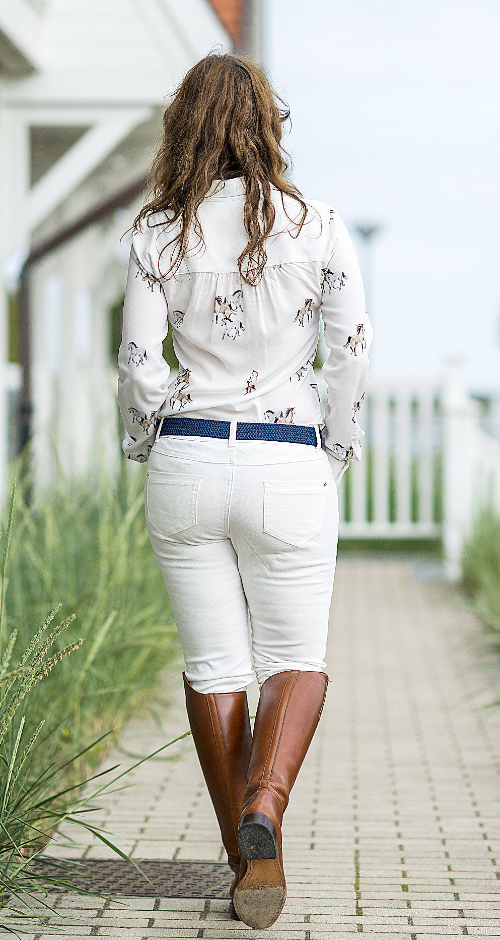 wear with white jeans