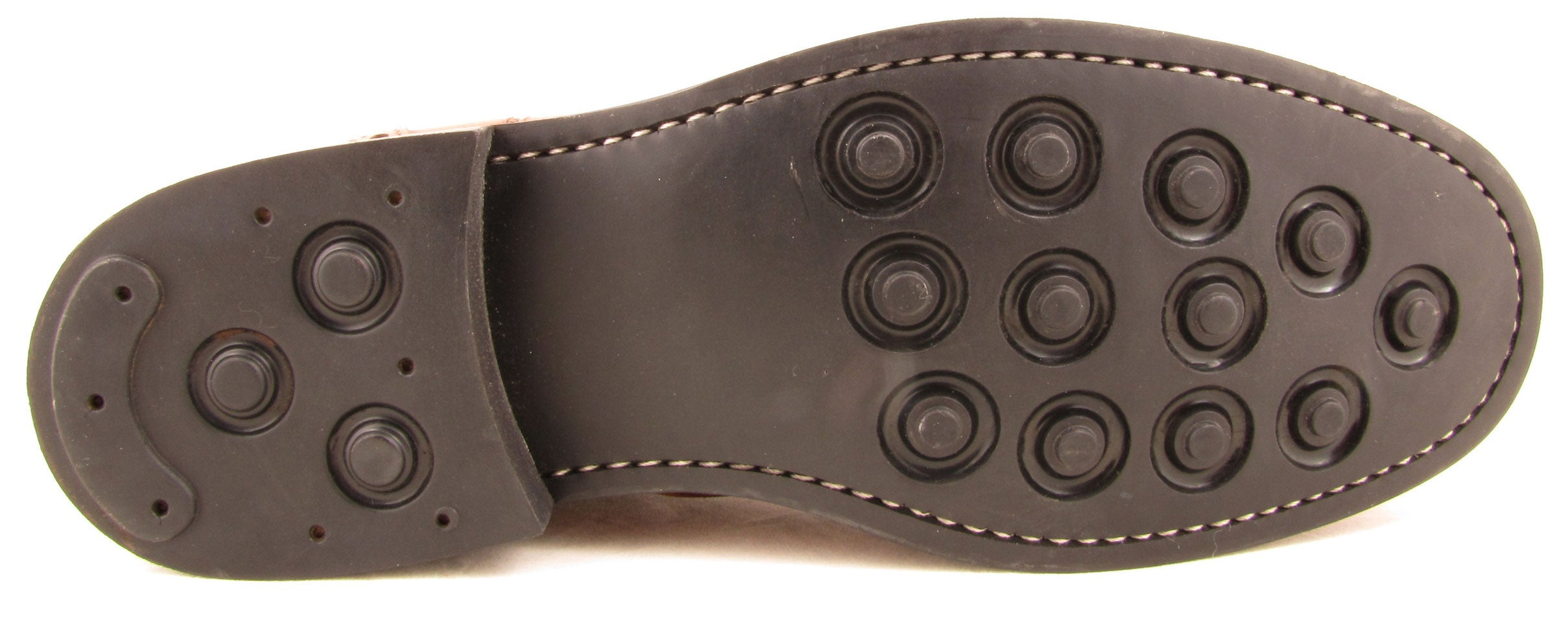 rubber studded sole offers great grip in wet and muddy conditions, designed to clear clogging dirt with a few scrapes on the doormat