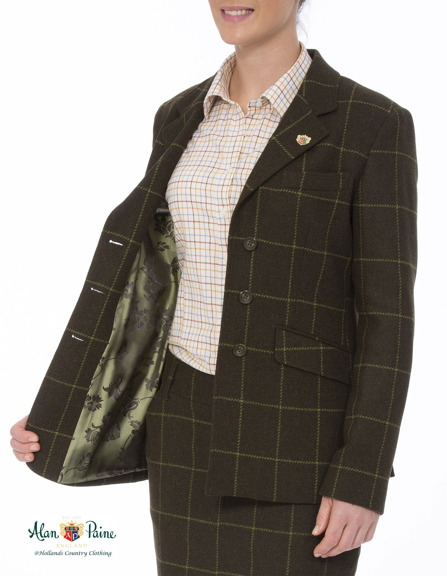 showing lining Alan Paine Combrook Tweed Blazer