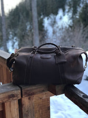 Top quality all leather construction, thoughtful design and quality stitching combine to produce a truly impressive travelling companion