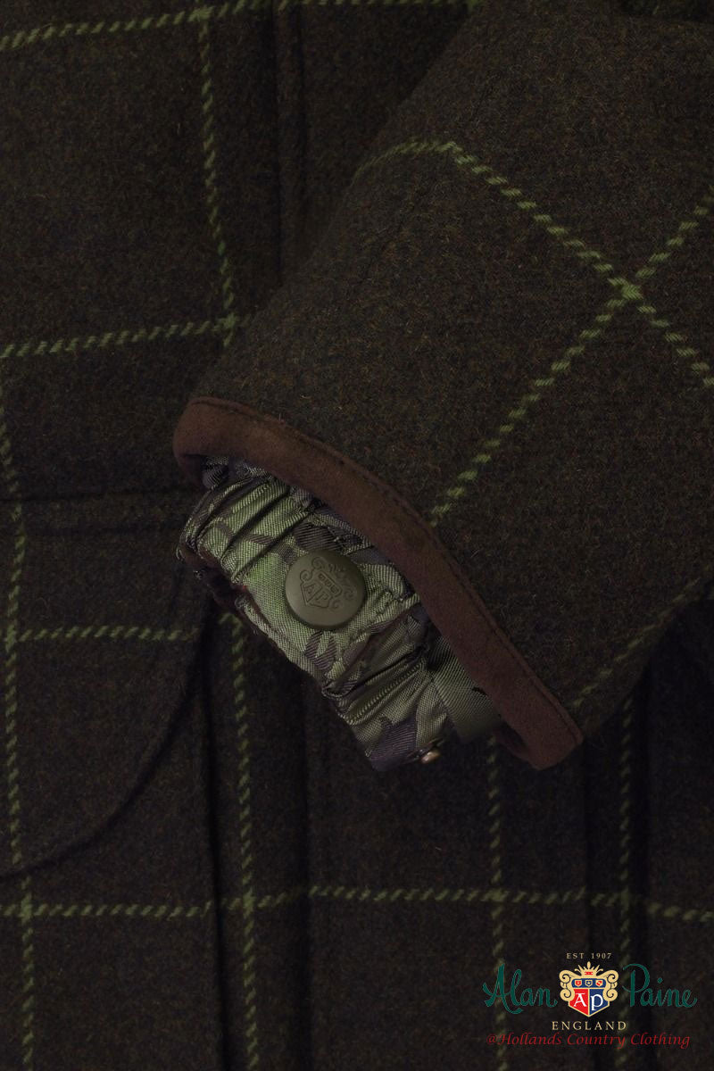 storm cuff shooting jacket in Avocado green tweed