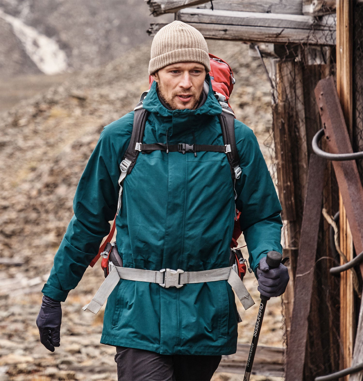 classic trail-ready design coupled with peerless GORE-TEX® fabric technology makes Corran the jacket to beat this season