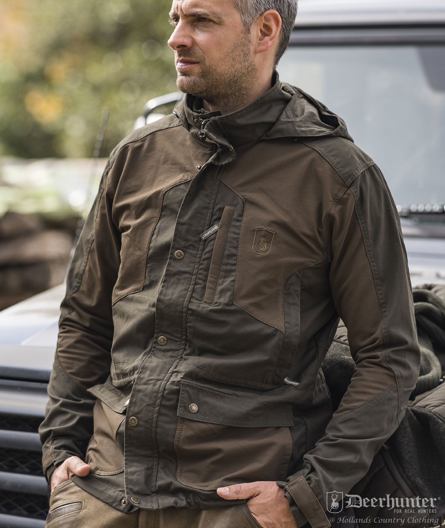 Lightweight, but robust with built in stretch, the Strike jacket by Deerhunter is ideal for country leisure wear
