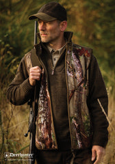 man in Deerhunter Gamekeeper Fleece Gilet - Innovation Camo