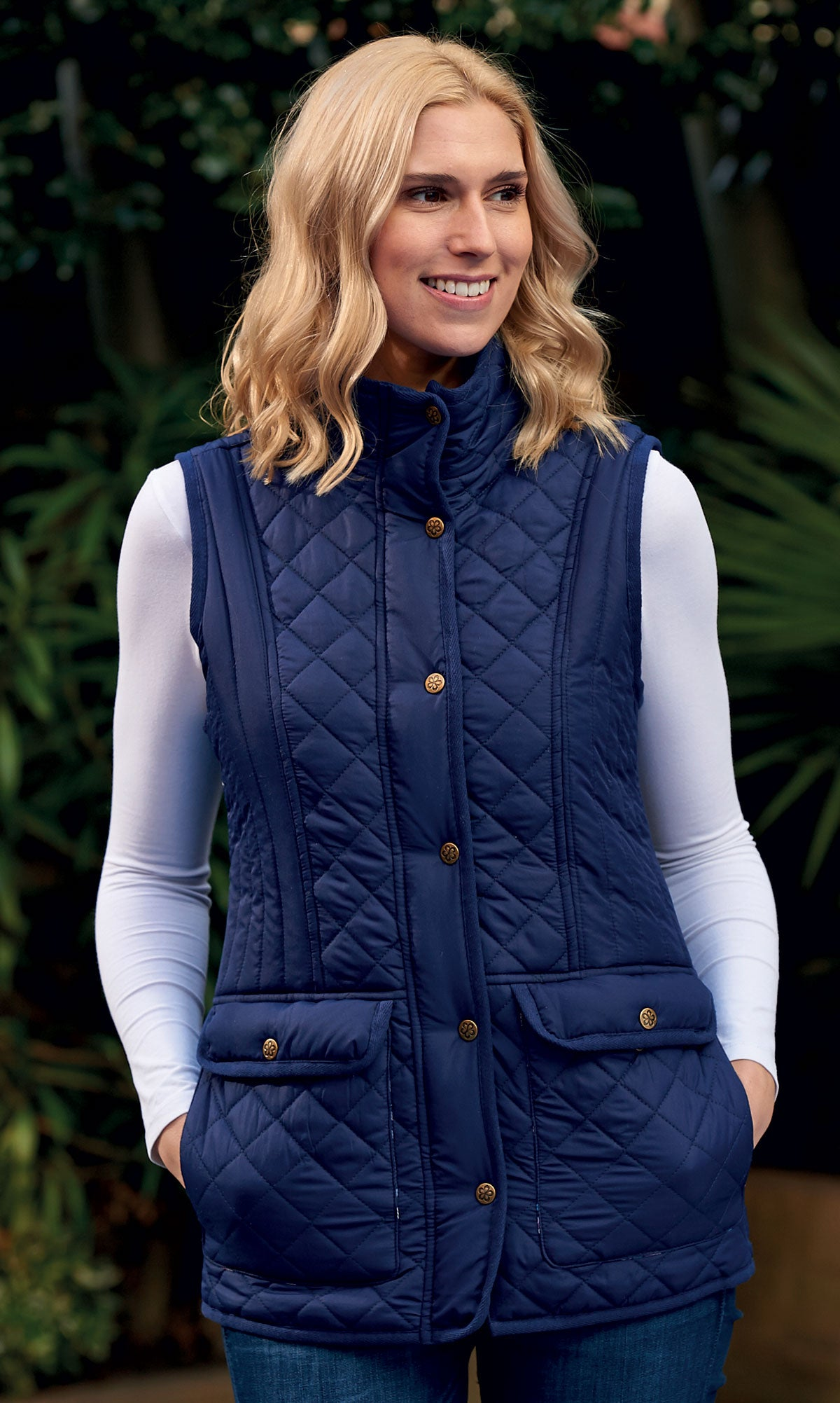 lady wearing  Champion Dorney Ladies Quilted Gilet