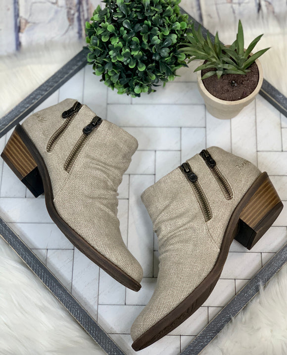 Blowfish Lottery Bootie: Taupe