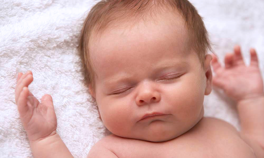 Waking A Sleeping Baby And Other Common Baby Myths Happiest Baby