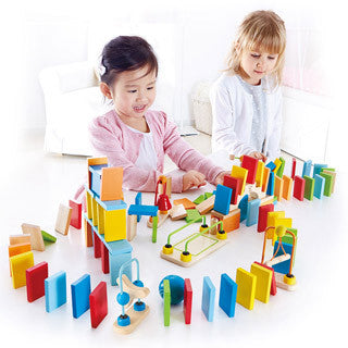 Dynamo Dominoes - Hape - eBeanstalk