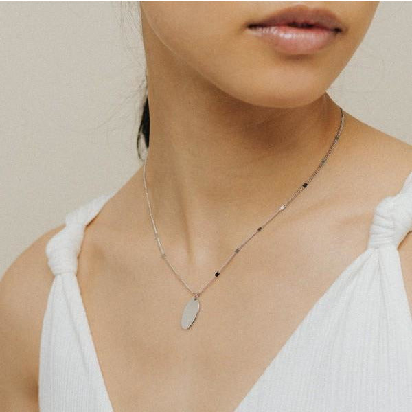 Silver Everly Oval Necklace | boogie + birdie