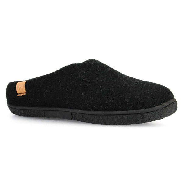 Black Tibet Wool Slippers | boogie + birdie