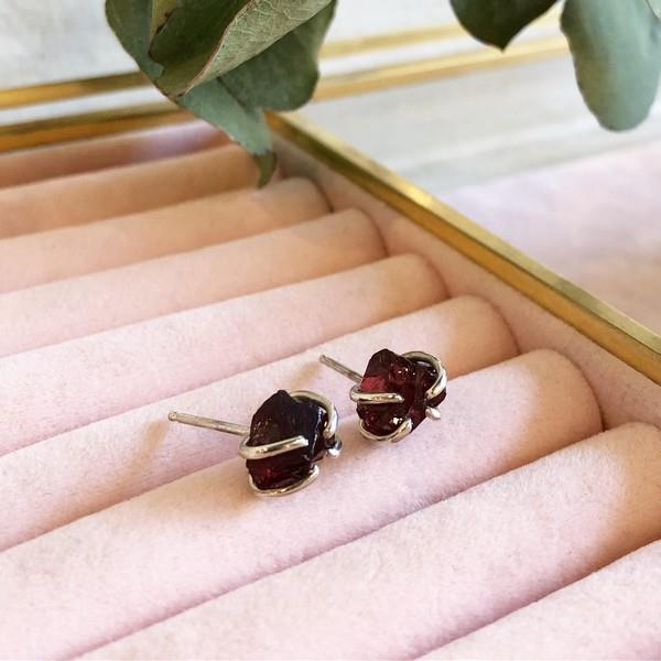 Silver Raw Garnet Stud Earrings | boogie + birdie