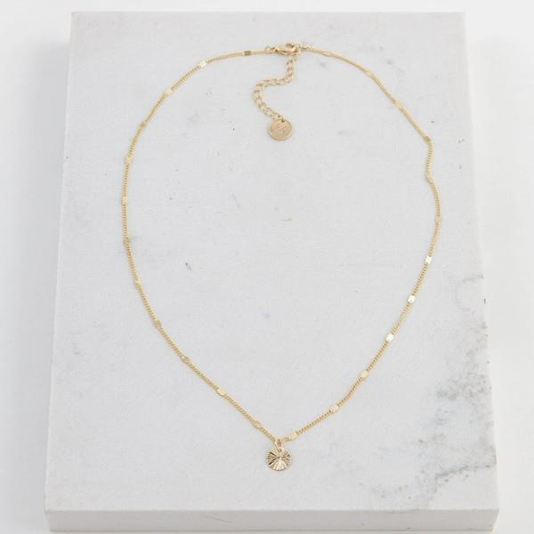 Gold Everly Circle Necklace | boogie + birdie