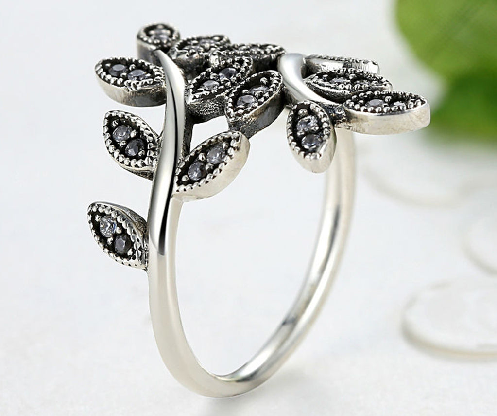 Anar Fashion HOJAS ZIRCONIA Ring