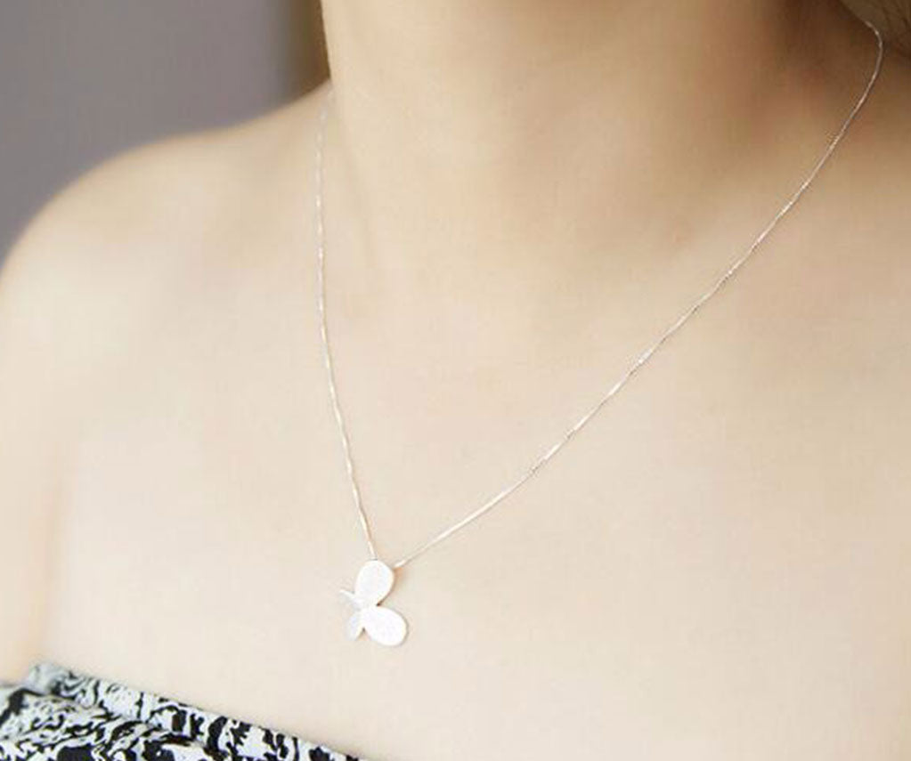 Anar Fashion Silver Butterfly Necklace