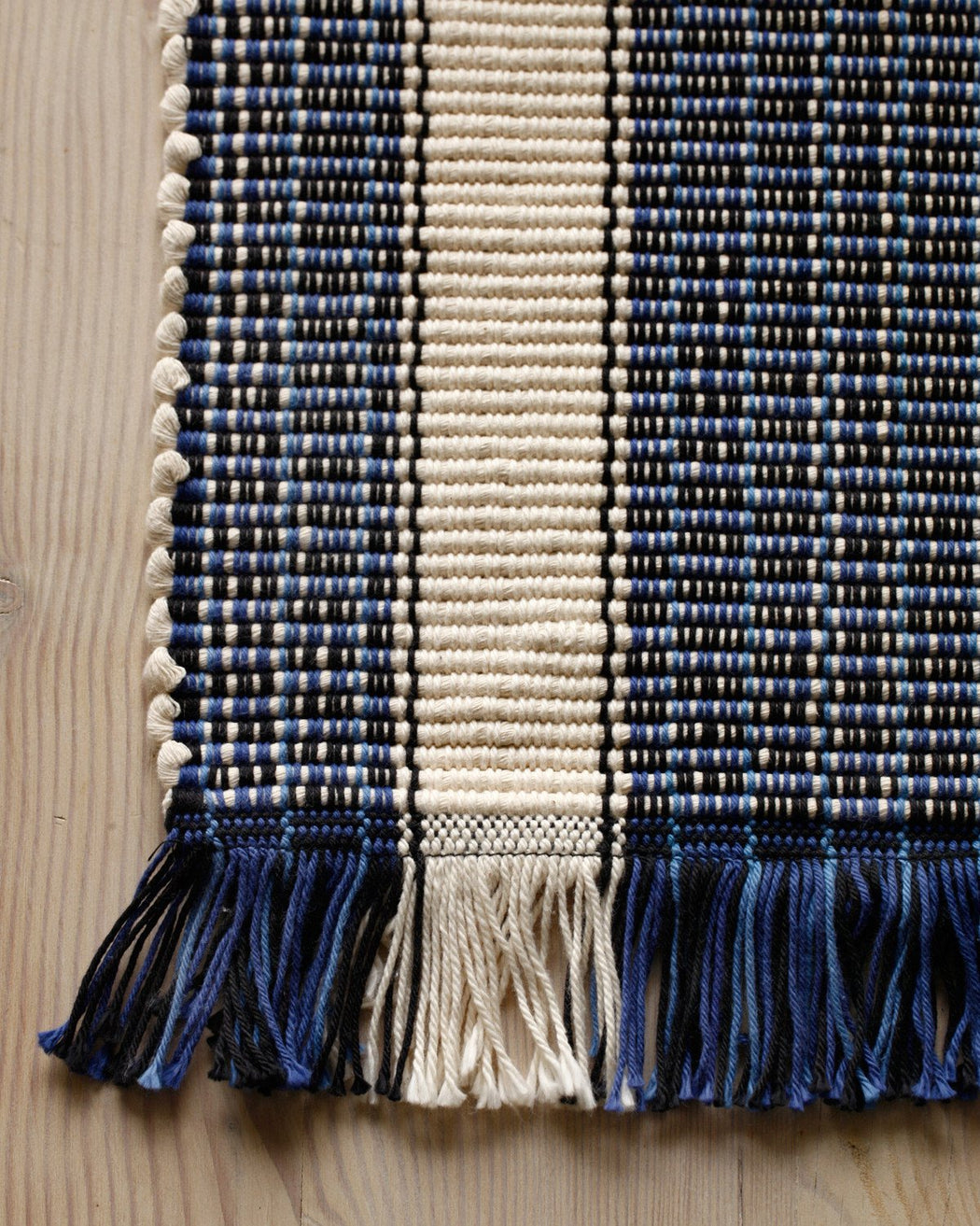 Lostine girard cotton blue and white hand loomed rug usa