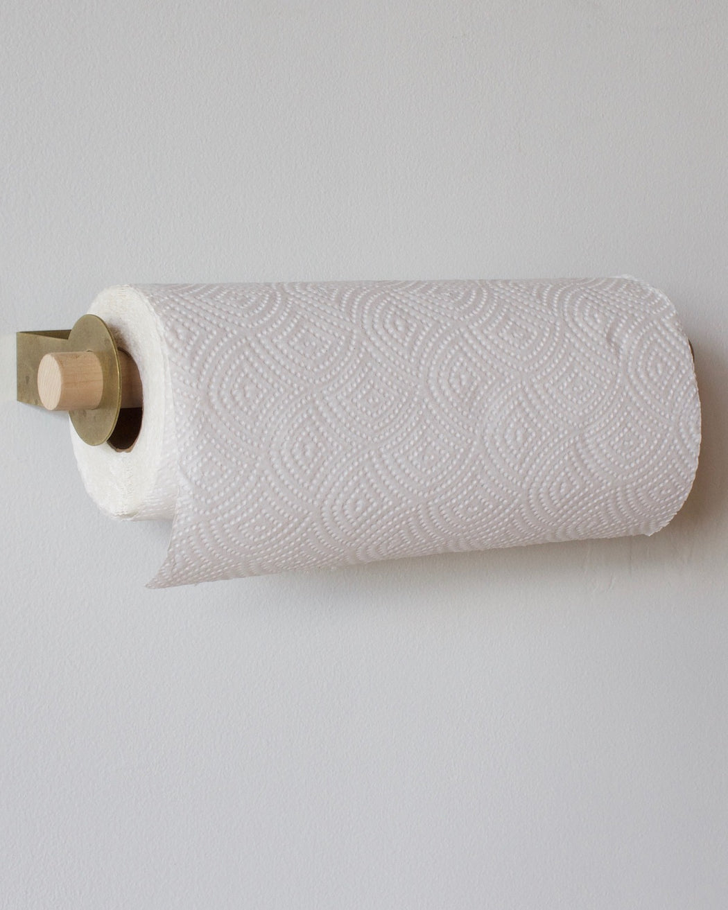 wall mounted paper towel rack