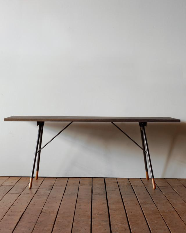 Lostine Brandywine dining table