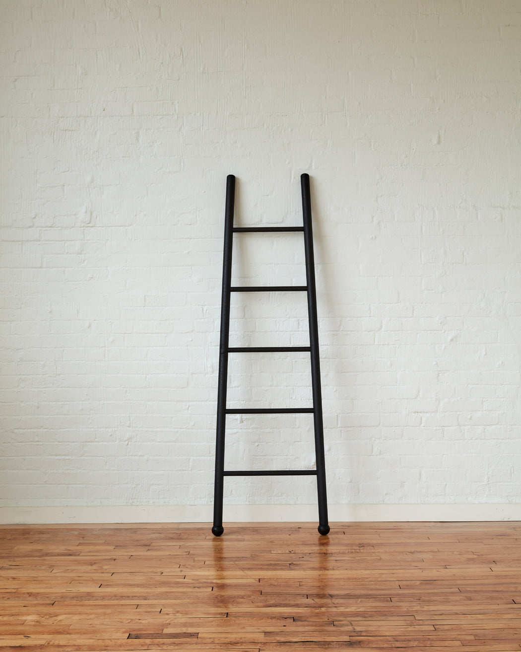 BLACK LADDERS FOR DECORATION -TOWELS AND BLANKETS - LOSTINE