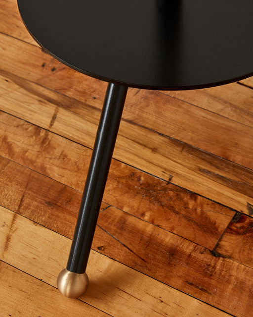 LOSTINE CALVIN CAFE TABLE WITH BLACK BASE - LEG DETAIL