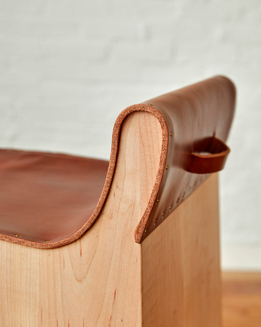 LOSTINE BLACK JACKSTOOL - TAN LEATHER PULL DETAIL