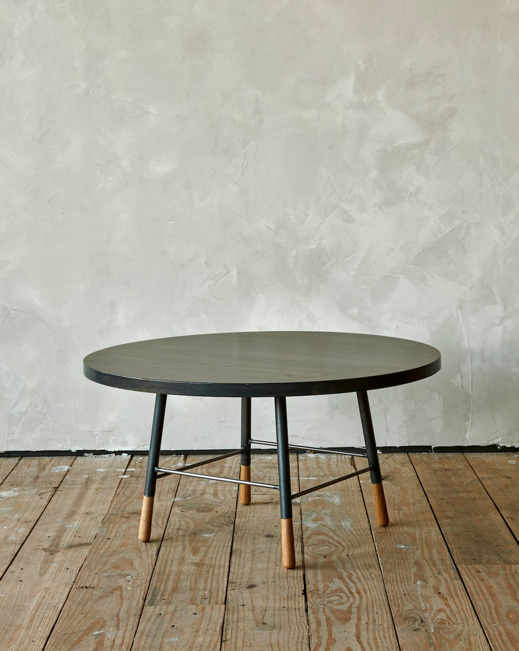 GORDON ROUND COFFEE TABLE - LOSTINE