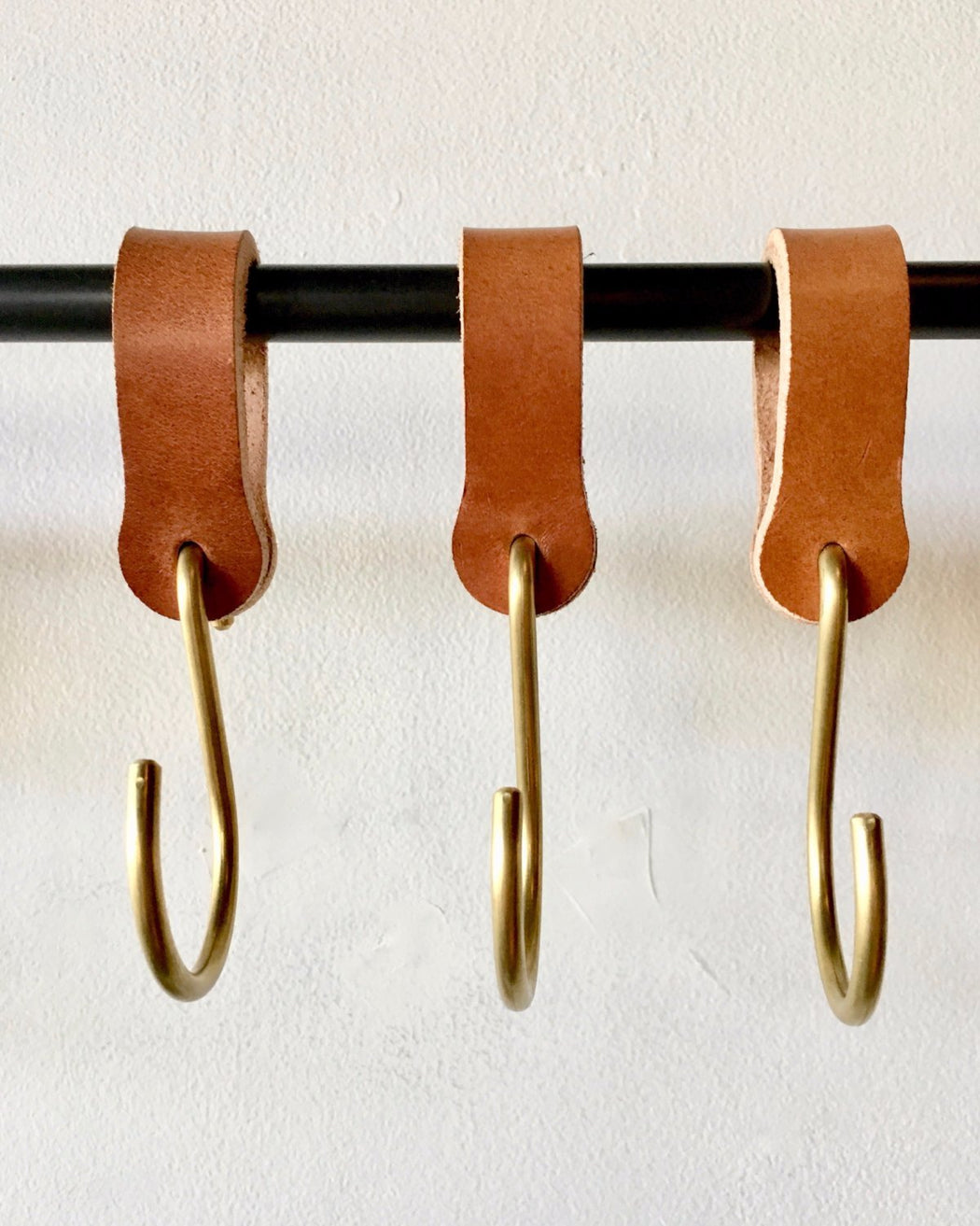 Lostine Ludlow Leather and Brass Hook