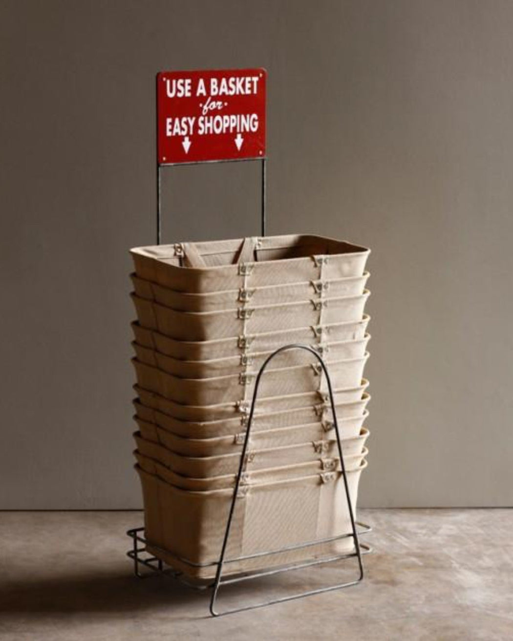 Lostine wire shopping basket holder