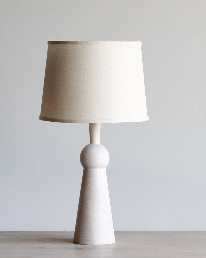 LOSTINE BELLA SKIRT TABLE LAMP WITH SHADE -WHITEWASH