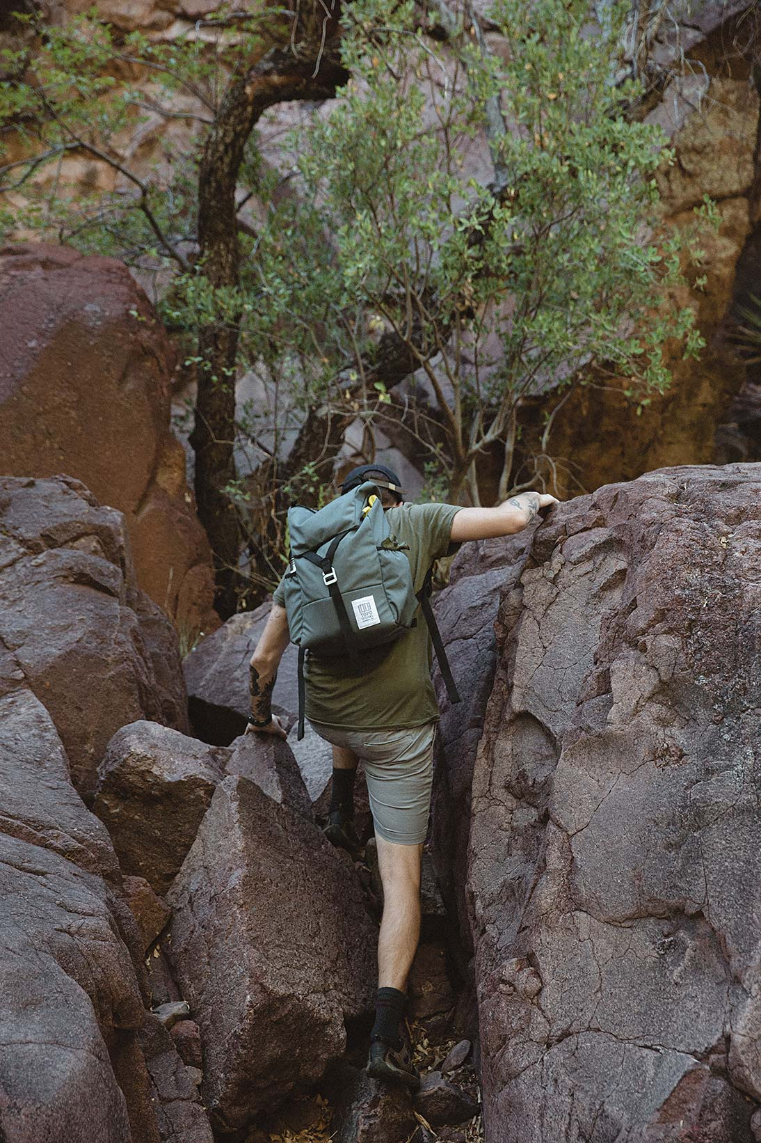 topo designs y-pack hiking review