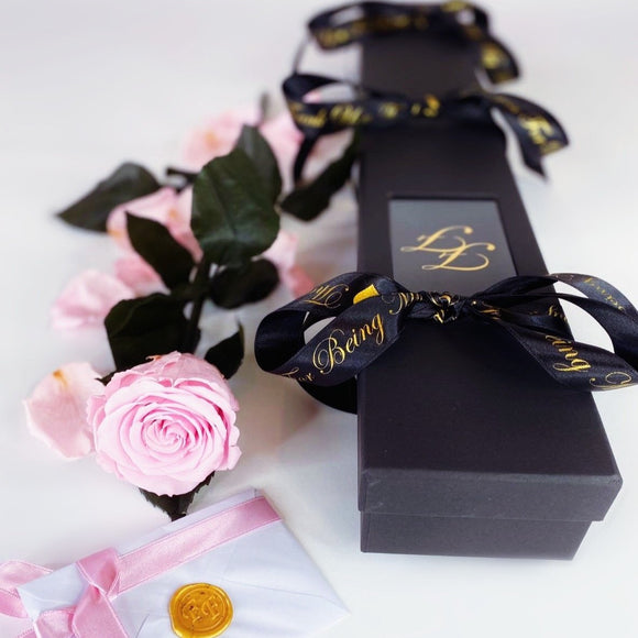 'Infinity' 60cm Stem SINGLE - Gift Boxed Preserved Rose